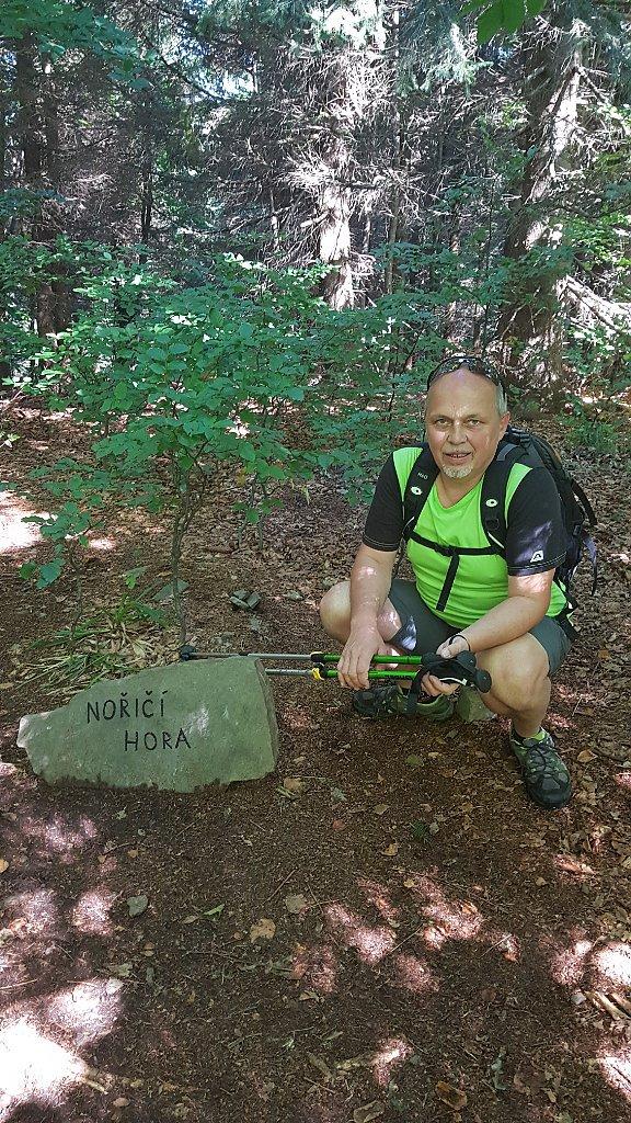 Fido a Myszka na vrcholu Nořičí hora (9.9.2018 13:29)