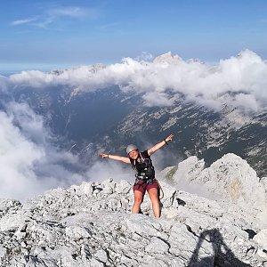 Léňa Manová na vrcholu Prisank/Prisojnik (26.7.2019 10:00)