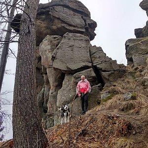 Joch a Dingo na vrcholu Severka _ skalní věž (10.3.2019 11:23)