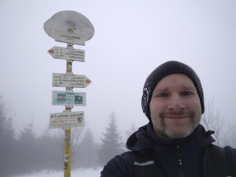 Petr Bartoň na vrcholu Smrk (29.3.2018 11:37)