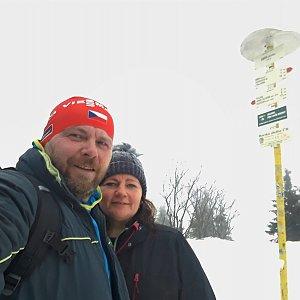 Martin a Jana Halamíčkovi na vrcholu Smrk (11.1.2020 12:57)