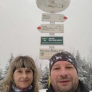 Jiří a Iveta na vrcholu Smrk (4.4.2021 11:40)