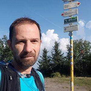 Michal na vrcholu Smrk (14.8.2021 8:22)