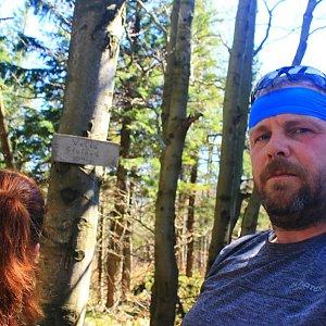 Martin a Jana Halamíčkovi na vrcholu Velká Stolová (21.4.2018 14:12)