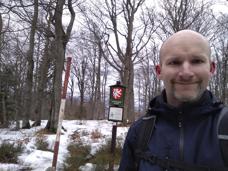 Petr Bartoň na vrcholu Ostrý (30.3.2018 14:45)