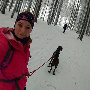 BarůůŠ Heczková na vrcholu Ostrý (29.12.2019 11:24)