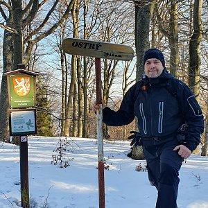Jiří Gryz na vrcholu Ostrý (12.1.2020 9:57)