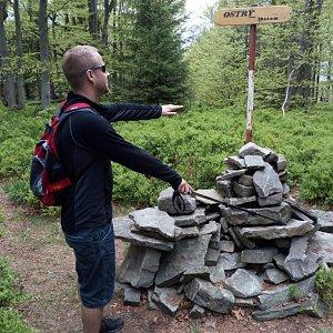 Jan Juchelka na vrcholu Ostrý (8.5.2018 11:26)