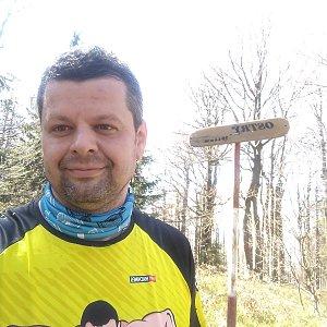 Ombre_Zamakejsi.cz na vrcholu Ostrý (12.4.2020 12:50)