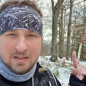 Igor Gluza na vrcholu Ostrý (3.1.2021 12:46)