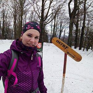 BarůůŠ Heczková na vrcholu Ostrý (2.2.2019 9:52)