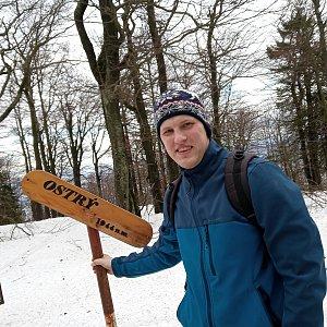 Michal Heczko na vrcholu Ostrý (2.2.2019 12:56)