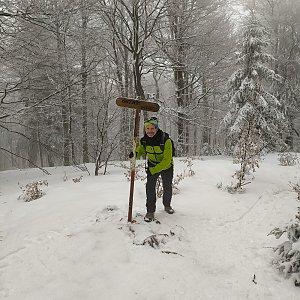 Petr Bartoň na vrcholu Ostrý (28.2.2021 19:40)