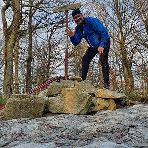 Michal Kohout na vrcholu Ostrý (1.5.2021 18:40)