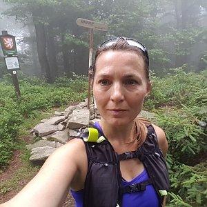Marcela Kubíčková na vrcholu Ostrý (17.7.2021 9:35)
