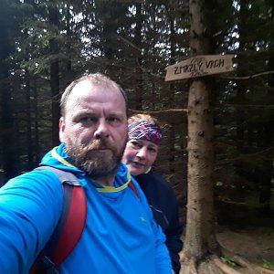 Martin a Jana Halamíčkovi na vrcholu Zmrzlý vrch (29.9.2019 10:46)