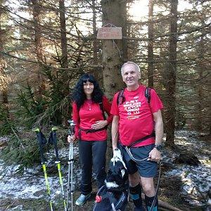 Joch a Dingo na vrcholu Zmrzlý vrch (30.3.2019 16:36)