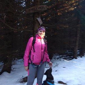 Renča Šin na vrcholu Zmrzlý vrch (8.5.2019 6:40)