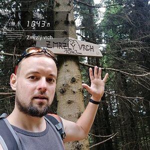 Jan Zamarski na vrcholu Zmrzlý vrch (11.7.2021 10:14)