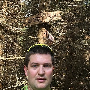 Radim Škrabánek na vrcholu Zmrzlý vrch (2.6.2019 9:56)