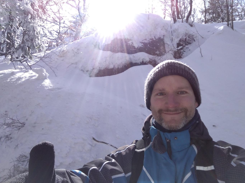 Petr Bartoň na vrcholu Skalka (na Pustevnách) (4.3.2018 11:28)