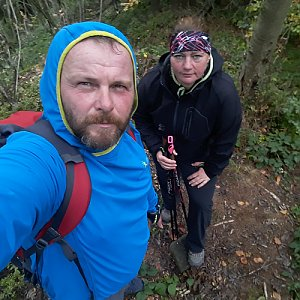 Martin a Jana Halamíčkovi na vrcholu Skalka (na Pustevnách) (29.9.2019 11:17)