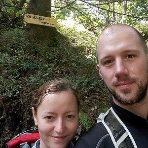 Paja&Tom na vrcholu Skalka (na Pustevnách) (15.7.2018 10:59)