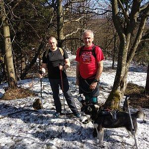 Joch a Dingo na vrcholu Skalka (na Pustevnách) (30.3.2019 14:30)