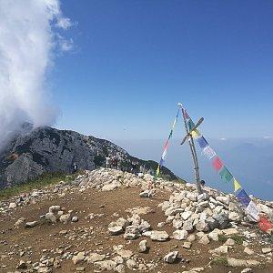martenzites na vrcholu Cima delle Pozzette (6.7.2019 12:00)