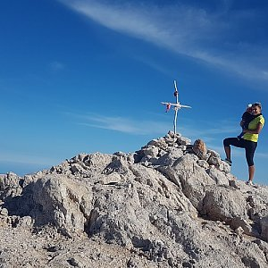 Kuchťa na vrcholu Pachnes (29.10.2018 14:10)
