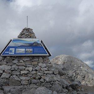 Patejl na vrcholu Kleiner Gjaidstein (4.8.2019 15:05)