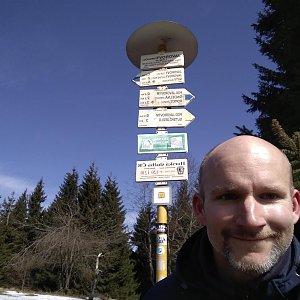 Petr Bartoň na vrcholu Javorový vrch (30.3.2018 12:05)