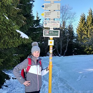 Nikola Němcová na vrcholu Javorový vrch (3.1.2020 12:43)