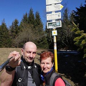 Dana + jirka na vrcholu Javorový vrch (8.4.2020 11:22)