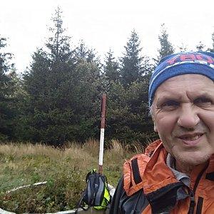 Joch a Dingo na vrcholu Javorový vrch (5.10.2020 15:34)