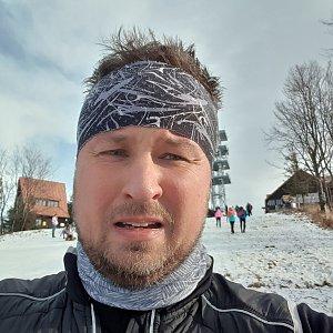 Igor Gluza na vrcholu Javorový vrch (2.1.2021 13:29)