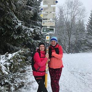 Veronika Spáčilová na vrcholu Javorový vrch (6.2.2021 14:02)