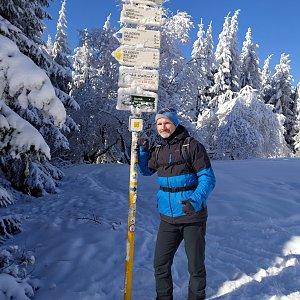 Petr Bartoň na vrcholu Javorový vrch (14.2.2021 18:19)