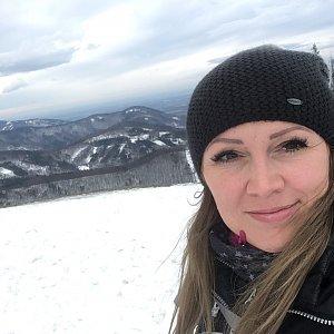 Mirka na vrcholu Javorový vrch (2.2.2019 12:00)