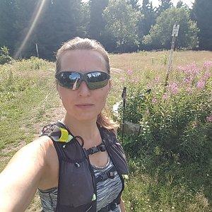 Marcela Kubíčková na vrcholu Javorový vrch (21.7.2021 15:50)