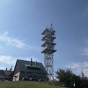 Petra Kosarkova na vrcholu Javorový vrch (13.8.2021 9:29)