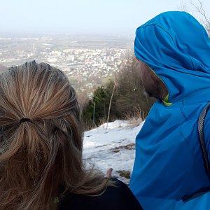 Martin a Jana Halamíčkovi na vrcholu Červený kámen (24.2.2021 20:04)