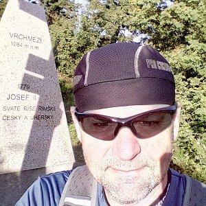 Li Be na vrcholu Vrchmezí (2.8.2020 7:35)