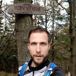 Filip Šimon na vrcholu Burkův vrch / Burkov vrch (17.5.2020 10:53)