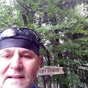 Li Be na vrcholu Burkův vrch / Burkov vrch (23.6.2021 13:19)