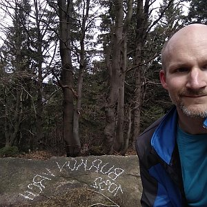Petr Bartoň na vrcholu Burkův vrch (15.4.2018 11:49)