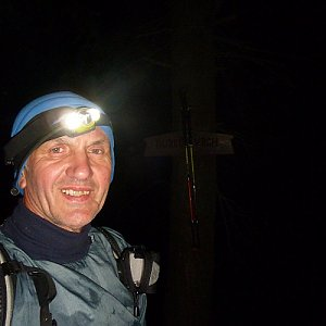 Joch a Dingo na vrcholu Burkův vrch (27.10.2019 5:40)