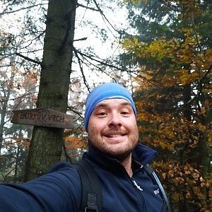 Jakub Špaček na vrcholu Burkův vrch (16.10.2019 13:35)