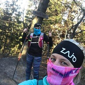 Dominika Turčeková na vrcholu Burkův vrch (7.4.2020 17:40)