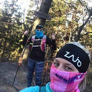 Kateřina Turčeková na vrcholu Burkův vrch (7.4.2020 17:00)